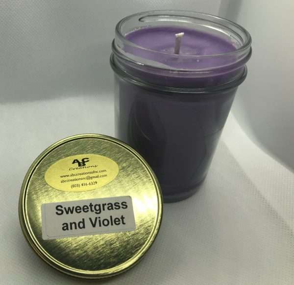 Sweetgrass And Violet Soy Candle